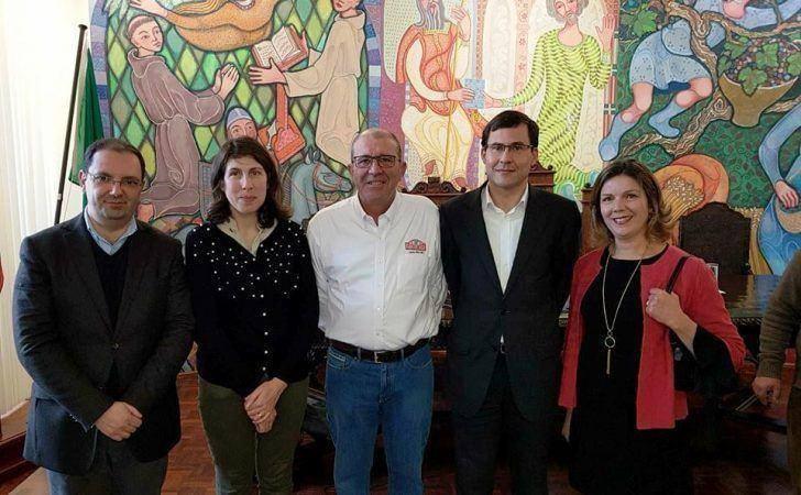 Carlos Bica presenteado com homenagem surpresa em Arganil