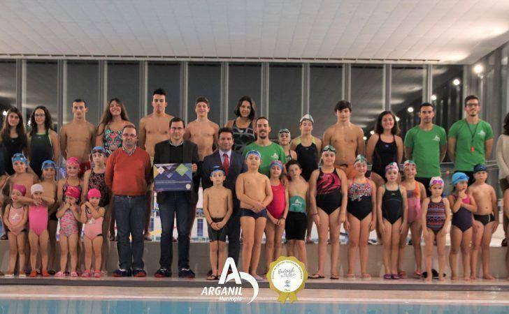 Escola Municipal de Natação premiada com Certificação de Qualidade Nível Ouro