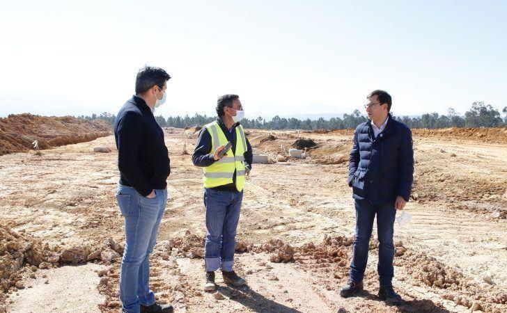 Luís Paulo Costa acompanha trabalhos de ampliação da Zona Industrial da Relvinha