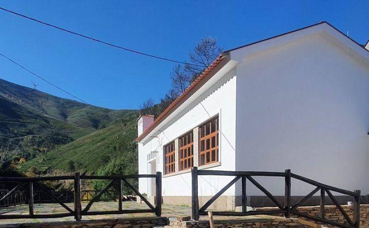 Município cede instalações da antiga escola primária do Piódão à Junta de Freguesia
